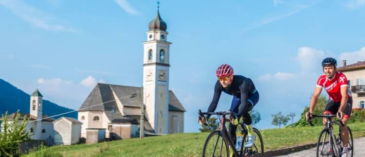 https://visitpinecembra.it/var/pinecembra/storage/images/_aliases/theme_holiday_large_image/9/1/0/5/345019-4-eng-GB/ciclismo.JPG - RP9